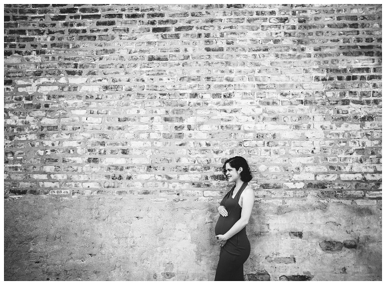 Black and white maternity photos | Chicago Photographer | Rebecca Hellyer Photography