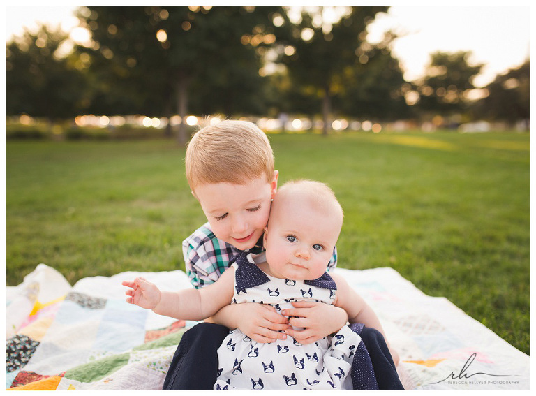 Sibling photos | Chicago child photographer | Rebecca Hellyer Photography