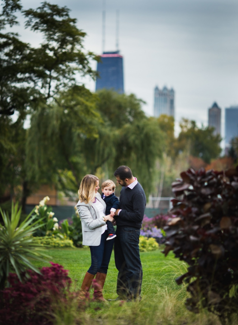 Chicago skyline family photos | Lincoln Park photographer | Rebecca Hellyer Photography