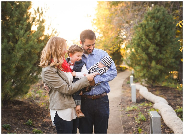 Fall family photos in Bucktown | Chicago Photographer | © Rebecca Hellyer Photography